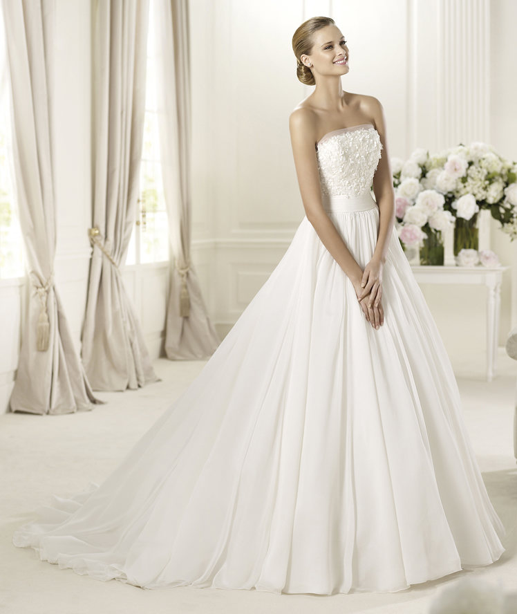 Wedding Dresses, Fashion, Strapless, Strapless Wedding Dresses, Sash, Chiffon, Pronovias, pleated skirt, floral detail, gemstone embroidery, Pronovias Fashion, chiffon belt, Chiffon Wedding Dresses
