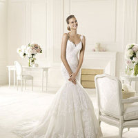 Wedding Dresses, Lace Wedding Dresses, Fashion, Mermaid, Lace, Halter, Pronovias, beaded neckline, halter wedding dresses, Pronovias Fashion