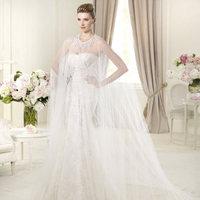 Wedding Dresses, Lace Wedding Dresses, Fashion, Feathers, Lace, Embroidery, Chiffon, Pronovias, Pronovias Fashion, tulle cape, Feather Wedding Dresses, Chiffon Wedding Dresses