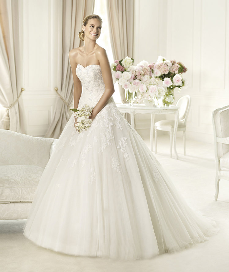 Wedding Dresses, Sweetheart Wedding Dresses, Lace Wedding Dresses, Fashion, Lace, Sweetheart, Strapless, Strapless Wedding Dresses, Princess, Tulle, Pronovias, Pronovias Glamour, tulle wedding dresses