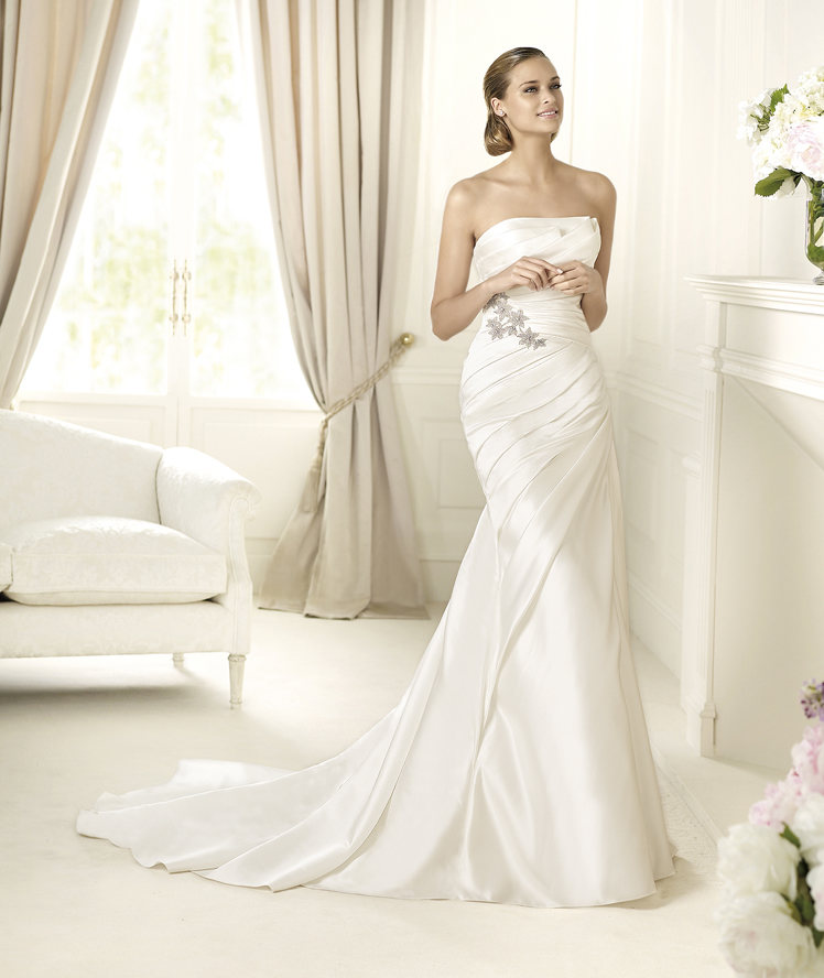 Wedding Dresses, Fashion, Strapless, Strapless Wedding Dresses, Satin, Pronovias, Pleats, mermaid skirt, Pronovias Glamour, star shaped gemstones, satin wedding dresses