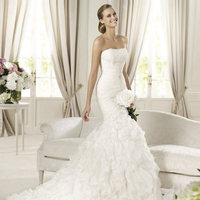 Wedding Dresses, Fashion, Mermaid, Strapless, Strapless Wedding Dresses, Tulle, Chiffon, Pronovias, Frills, ruffled skirt, layered skirt, Pronovias Glamour, gemstron, tulle wedding dresses, Chiffon Wedding Dresses