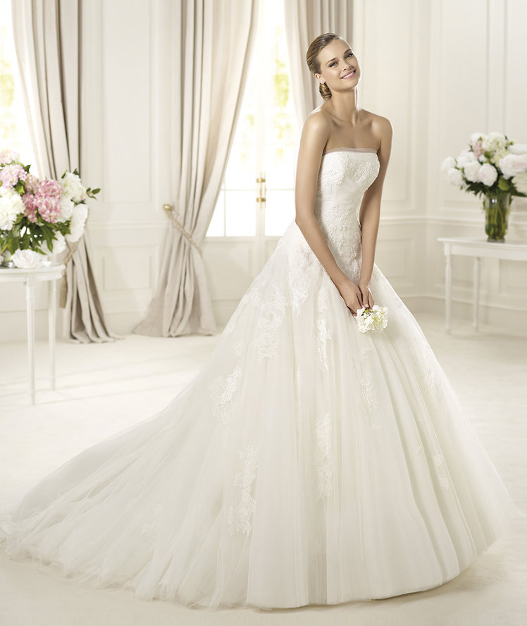 Wedding Dresses, Lace Wedding Dresses, Fashion, Lace, Strapless, Strapless Wedding Dresses, Tulle, Pronovias, Princess cut, Pronovias Glamour, tulle wedding dresses