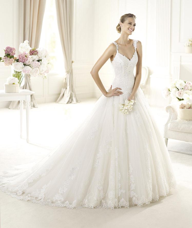Wedding Dresses, Lace Wedding Dresses, Fashion, Lace, V-neck, V-neck Wedding Dresses, Tulle, Pronovias, Princess cut, Sleeveless, lace straps, Pronovias Glamour, tulle wedding dresses