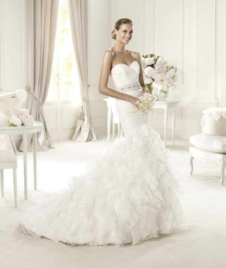 Wedding Dresses, Sweetheart Wedding Dresses, Fashion, Sweetheart, Strapless, Strapless Wedding Dresses, Pronovias, Beaded belt, ruffled skirt, layered skirt, ruched bodice, Pronovias Glamour, silk garza