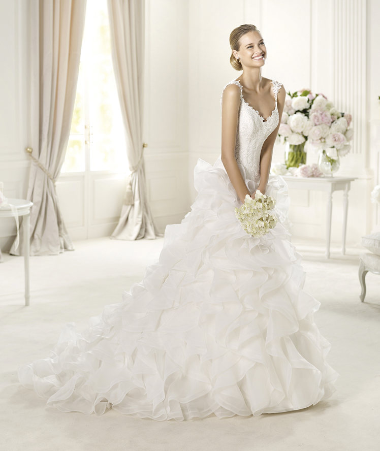 Wedding Dresses, A-line Wedding Dresses, Fashion, A-line, Pronovias, Sleeveless, ruffled skirt, layered skirt, lace straps, Pronovias Glamour, v-necl
