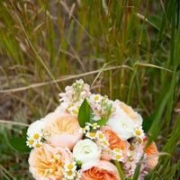 Flowers & Decor, Real Weddings, Wedding Style, Bride Bouquets, Rustic Real Weddings, Summer Weddings, Midwest Real Weddings, Summer Real Weddings, Rustic Weddings, Summer Wedding Flowers & Decor, Pastel
