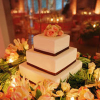 Cakes, Real Weddings, Wedding Style, Square Wedding Cakes, Wedding Cakes, Spring Weddings, City Real Weddings, Classic Real Weddings, Spring Real Weddings, City Weddings, Classic Weddings