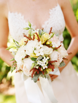 Flowers & Decor, Real Weddings, Wedding Style, white, ivory, Bride Bouquets, Rustic Real Weddings, Summer Weddings, West Coast Real Weddings, Summer Real Weddings, Rustic Weddings, Rustic Wedding Flowers & Decor, Summer Wedding Flowers & Decor