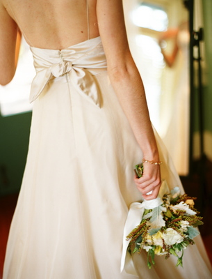 Wedding Dresses, Fashion, Real Weddings, Wedding Style, ivory, Rustic Real Weddings, Summer Weddings, West Coast Real Weddings, Summer Real Weddings, Rustic Weddings, Classic Wedding Dress