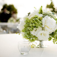 Flowers & Decor, Real Weddings, Wedding Style, white, ivory, green, Centerpieces, West Coast Real Weddings, Classic Real Weddings, Classic Weddings, West Coast Weddings, Classic Flowers & Decor