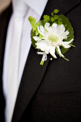 Flowers & Decor, Real Weddings, Wedding Style, white, green, West Coast Real Weddings, Classic Real Weddings, Classic Weddings, Boutonniere, Boutonnière, Classic Flowers & Decor