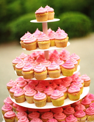 Cakes, Real Weddings, Wedding Style, pink, Cupcakes, Garden Real Weddings, Garden Weddings