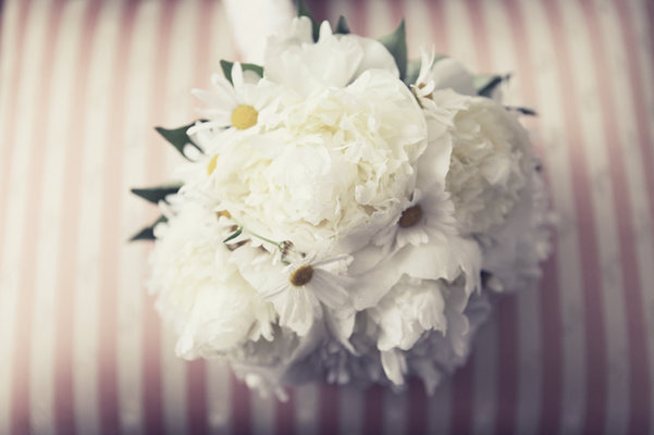 Flowers & Decor, Destinations, Real Weddings, Wedding Style, white, Europe, Bride Bouquets, Spring Weddings, Classic Real Weddings, Spring Real Weddings, Classic Weddings
