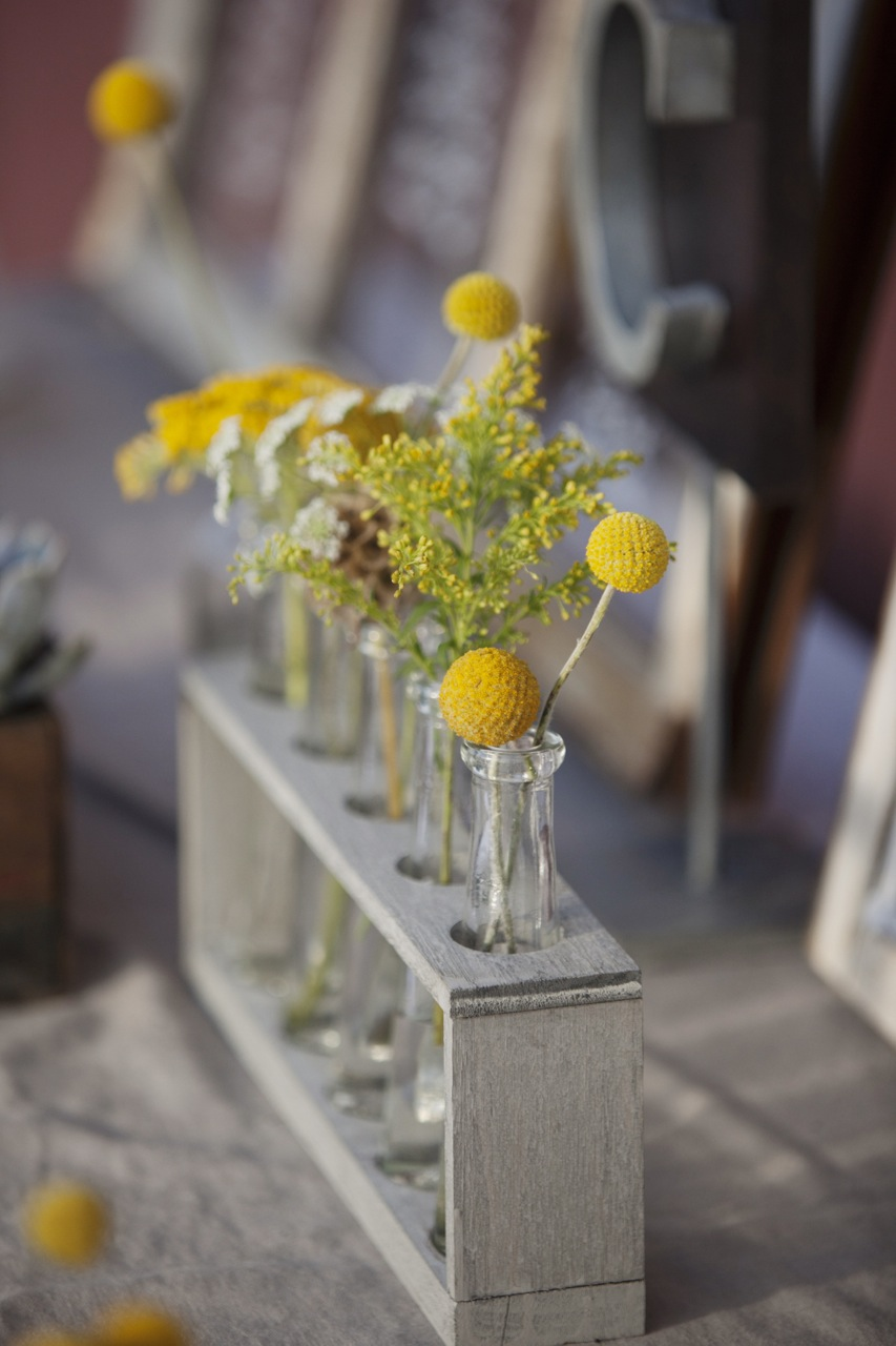 Flowers & Decor, Real Weddings, Wedding Style, yellow, Rustic Real Weddings, West Coast Real Weddings, Eco-Friendly Real Weddings, Eco-Friendly Weddings, Rustic Weddings, Rustic Wedding Flowers & Decor