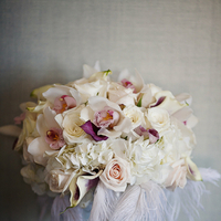 Flowers & Decor, Real Weddings, Wedding Style, white, ivory, Bride Bouquets, Modern Real Weddings, Southern Real Weddings, Spring Weddings, City Real Weddings, Spring Real Weddings, City Weddings, Modern Weddings, Glam Wedding Flowers & Decor, Modern Wedding Flowers & Decor, city wedding flowers & decor