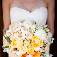 Flowers & Decor, Real Weddings, Wedding Style, white, yellow, Bride Bouquets, Summer Weddings, West Coast Real Weddings, Garden Real Weddings, Summer Real Weddings, Garden Weddings, Summer Wedding Flowers & Decor, Roses