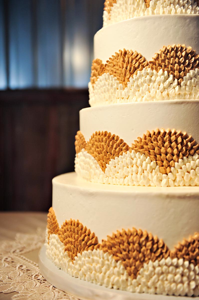 Cakes, Real Weddings, Wedding Style, ivory, gold, Fall, Rustic, Fall Weddings, Rustic Real Weddings, Fall Real Weddings, Rustic Weddings, Autumn, Mustard, Farm wedding