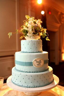 Cakes, Real Weddings, Wedding Style, Modern Wedding Cakes, Wedding Cakes, Modern Real Weddings, Modern Weddings, mid-atlantic real weddings