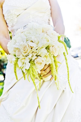 Flowers & Decor, Real Weddings, Wedding Style, ivory, Bride Bouquets, West Coast Real Weddings, Classic Real Weddings, Classic Weddings, Classic Wedding Flowers & Decor, Spring Wedding Flowers & Decor, Summer Wedding Flowers & Decor, West Coast Weddings