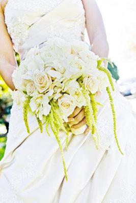 Flowers & Decor, Real Weddings, Wedding Style, ivory, Bride Bouquets, West Coast Real Weddings, Classic Real Weddings, Classic Weddings, Classic Wedding Flowers & Decor, Spring Wedding Flowers & Decor, Summer Wedding Flowers & Decor, West Coast Weddings
