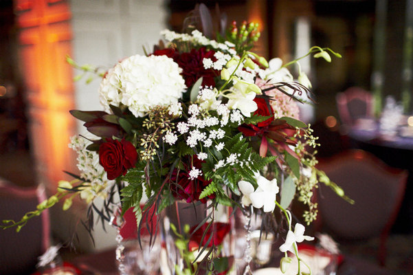 Flowers & Decor, Real Weddings, Wedding Style, red, Centerpieces, West Coast Real Weddings, Classic Real Weddings, Glam Real Weddings, Classic Weddings, Glam Weddings, Classic Wedding Flowers & Decor