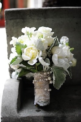 Flowers & Decor, Real Weddings, Wedding Style, white, Bride Bouquets, Modern Real Weddings, West Coast Real Weddings, Modern Weddings, Classic Wedding Flowers & Decor