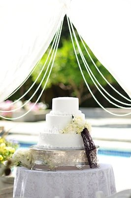 Cakes, Real Weddings, Wedding Style, white, Classic Wedding Cakes, Floral Wedding Cakes, Wedding Cakes, Modern Real Weddings, West Coast Real Weddings, Modern Weddings