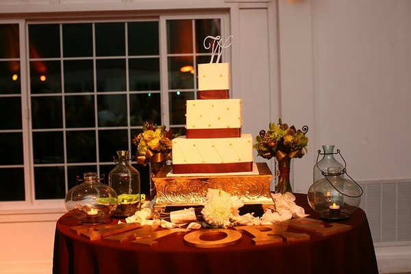 Cakes, Real Weddings, Wedding Style, Square Wedding Cakes, Vineyard Wedding Cakes, Wedding Cakes, West Coast Real Weddings, Vineyard Real Weddings, Vineyard Weddings
