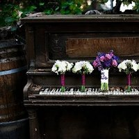 Flowers & Decor, Real Weddings, Wedding Style, brown, Bride Bouquets, West Coast Real Weddings, Garden Real Weddings, Garden Weddings, Garden Wedding Flowers & Decor