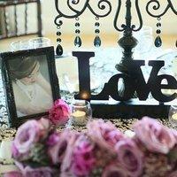 Flowers & Decor, Real Weddings, Wedding Style, West Coast Real Weddings, Wedding signs, shabby chic flowers & decor