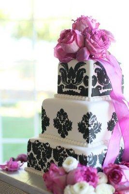 Cakes, Real Weddings, Wedding Style, purple, Glam Wedding Cakes, Wedding Cakes, West Coast Real Weddings, Glam Real Weddings, Glam Weddings, square wedding cales