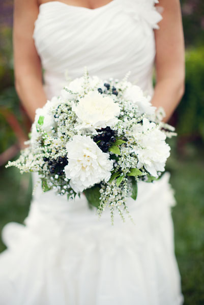 Flowers & Decor, Real Weddings, Wedding Style, white, Spring Weddings, Classic Real Weddings, Midwest Real Weddings, Spring Real Weddings, Classic Weddings, Classic Wedding Flowers & Decor, Spring Wedding Flowers & Decor