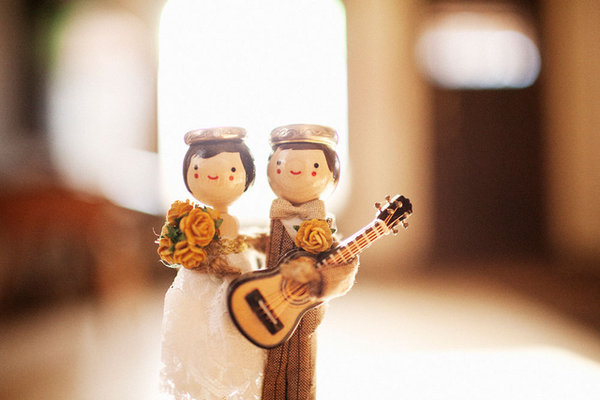 Cakes, Real Weddings, Wedding Style, brown, Cake Toppers, Modern Real Weddings, Summer Weddings, West Coast Real Weddings, City Real Weddings, Summer Real Weddings, City Weddings, Modern Weddings
