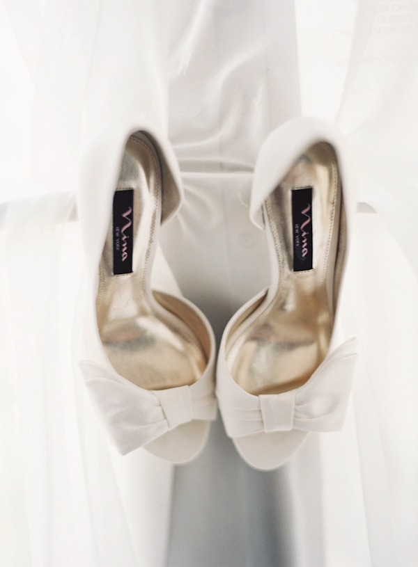 Real Weddings, Summer Real Weddings, Bridal shoes, Bow, Summer wedding, East Coast Real Weddings, East Coast Weddings, Picnic Real Wedding, Picnic Wedding, Sophisticated Real Weddings, Sophisticated Weddings