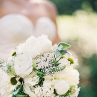 Flowers & Decor, Real Weddings, ivory, green, Summer Real Weddings, Summer wedding, Bridal Bouquets, East Coast Real Weddings, East Coast Weddings, Picnic Real Wedding, Picnic Wedding, Sophisticated Real Weddings, Sophisticated Weddings