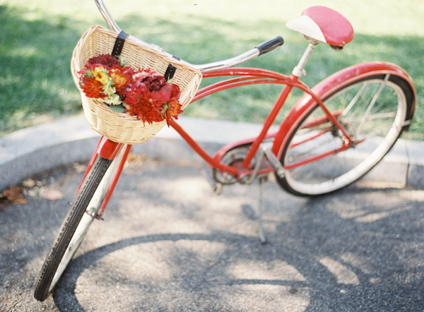 Real Weddings, Summer Real Weddings, Summer wedding, East Coast Real Weddings, East Coast Weddings, Picnic Real Wedding, Picnic Wedding, Sophisticated Real Weddings, Sophisticated Weddings, red bicycle
