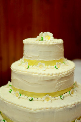 Cakes, Real Weddings, Wedding Style, white, ivory, yellow, Round Wedding Cakes, Summer Wedding Cakes, Northeast Real Weddings, Rustic Real Weddings, Summer Weddings, Summer Real Weddings, Rustic Weddings