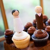 Cakes, Real Weddings, Wedding Style, Cupcakes, Cake Toppers, Rustic Real Weddings, West Coast Real Weddings, Rustic Weddings, dessert displays