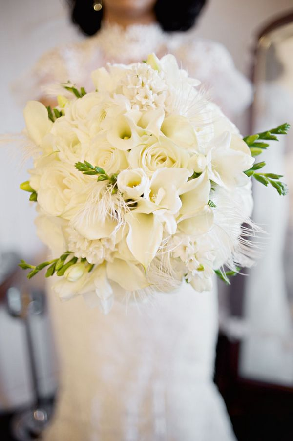 Flowers & Decor, Real Weddings, Wedding Style, white, Bride Bouquets, West Coast Real Weddings, Winter Weddings, Vintage Real Weddings, Winter Real Weddings, Vintage Weddings, Vintage Wedding Flowers & Decor, Winter Wedding Flowers & Decor