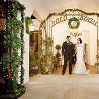 Flowers & Decor, Real Weddings, Wedding Style, West Coast Real Weddings, Winter Weddings, Vintage Real Weddings, Winter Real Weddings, Vintage Weddings, Winter Wedding Flowers & Decor