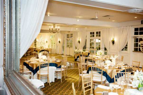 Flowers & Decor, Real Weddings, Wedding Style, gold, Tables & Seating, West Coast Real Weddings, Winter Weddings, Vintage Real Weddings, Winter Real Weddings, Vintage Weddings