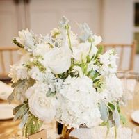 Flowers & Decor, Real Weddings, Wedding Style, white, Centerpieces, West Coast Real Weddings, Winter Weddings, Vintage Real Weddings, Winter Real Weddings, Vintage Weddings, Vintage Wedding Flowers & Decor, Winter Wedding Flowers & Decor