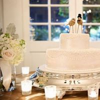 Cakes, Real Weddings, Wedding Style, white, Vintage Wedding Cakes, Wedding Cakes, West Coast Real Weddings, Winter Weddings, Vintage Real Weddings, Winter Real Weddings, Vintage Weddings