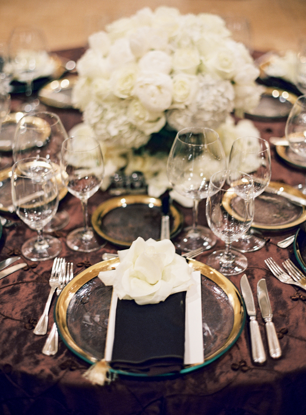 Flowers & Decor, Real Weddings, Wedding Style, white, brown, Centerpieces, Fall Weddings, West Coast Real Weddings, Classic Real Weddings, Fall Real Weddings, Classic Weddings, Classic Wedding Flowers & Decor