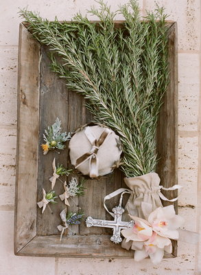 Flowers & Decor, Real Weddings, Wedding Style, ivory, green, brown, Rustic Real Weddings, Summer Weddings, West Coast Real Weddings, Summer Real Weddings, Vintage Real Weddings, Rustic Weddings, Vintage Weddings, Rustic Wedding Flowers & Decor, Summer Wedding Flowers & Decor, Vintage Wedding Flowers & Decor