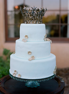 Cakes, Real Weddings, Wedding Style, blue, silver, Glam Wedding Cakes, Round Wedding Cakes, Vintage Wedding Cakes, Wedding Cakes, Cake Toppers, Summer Weddings, West Coast Real Weddings, Summer Real Weddings, Vintage Real Weddings, Vintage Weddings