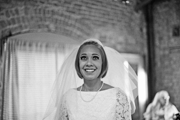 Beauty, Real Weddings, Wedding Style, Short Hair, Modern Real Weddings, Summer Weddings, West Coast Real Weddings, City Real Weddings, Summer Real Weddings, City Weddings, Modern Weddings