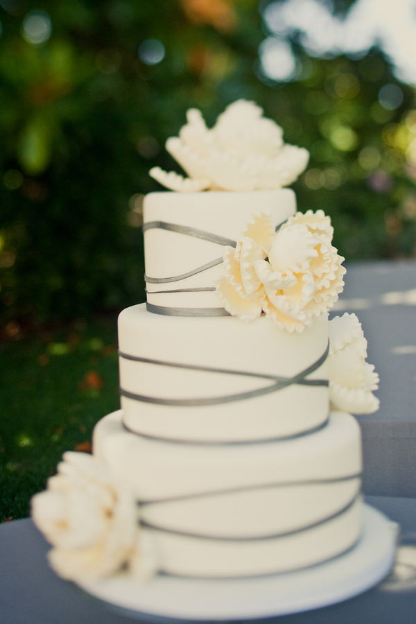 Cakes, Real Weddings, Wedding Style, white, Floral Wedding Cakes, Garden Wedding Cakes, Wedding Cakes, Summer Weddings, West Coast Real Weddings, Summer Real Weddings