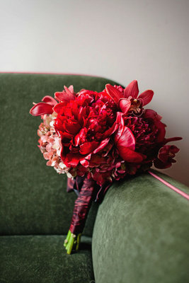 Flowers & Decor, Real Weddings, Wedding Style, red, Bride Bouquets, Fall Weddings, Northeast Real Weddings, City Real Weddings, Fall Real Weddings, City Weddings, Fall Wedding Flowers & Decor